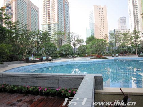峻林小区游泳池